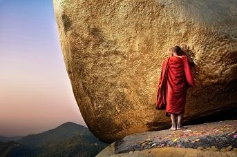 Дэвид Лазар. Монах у Золотого камня