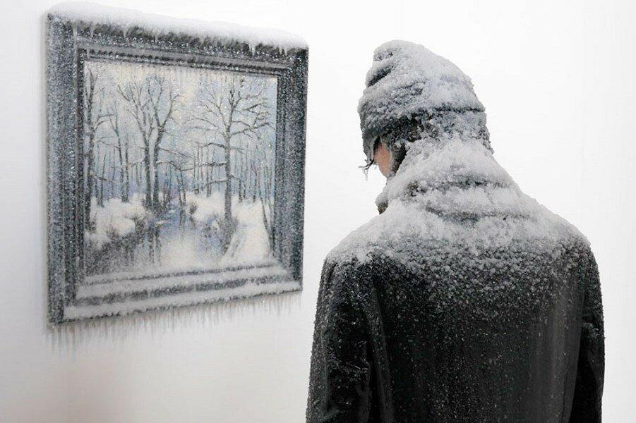Лоран Перно.  Композиция «Автопортрет лицом к земле»