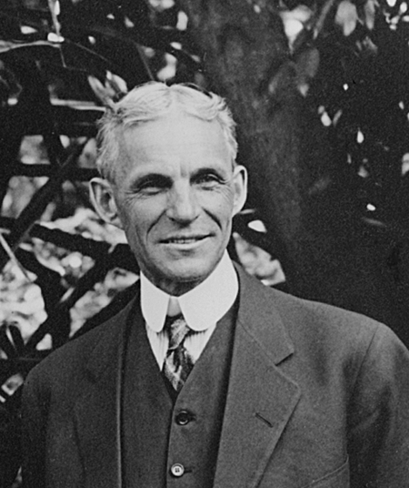 henry_ford_at_edisons_home_in_ft._myers_florida_1914.png