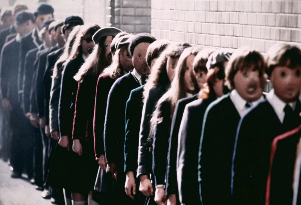 Кадр из фильма «The Wall» (видеоряд к песне группы Pink Floyd «Proper Education»)
