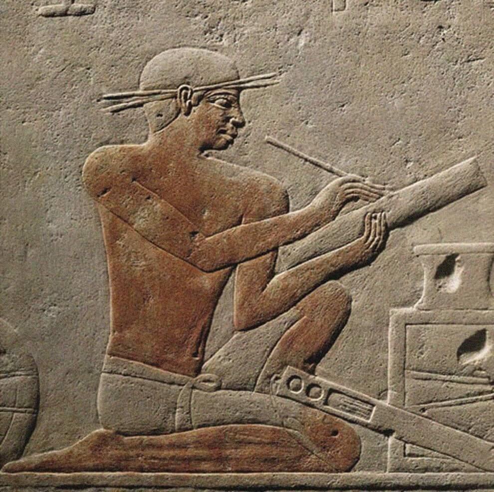 Рельеф с изображением писца - Деталь резьбы на стене Мастабы Ахетотепа, ок. 2494-2345 гг. до Р.Х.