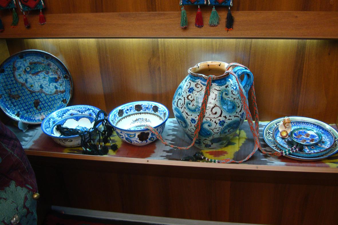 Узбекская посуда Выставка Чархпалак — колесо Вселенной