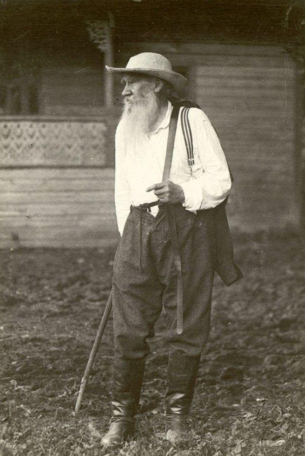 Лев Толстой. Фотограф В. Г. Чертков