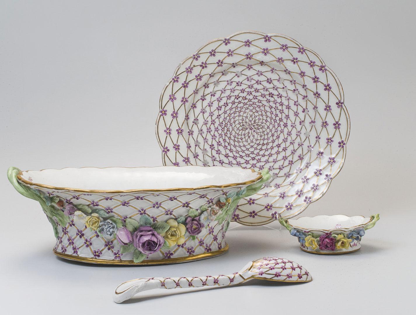 Предметы из собственного столового и десертного сервиза императрицы Елизаветы Петровны. Не ранее 1756–1762 (основной елизаветинский состав)