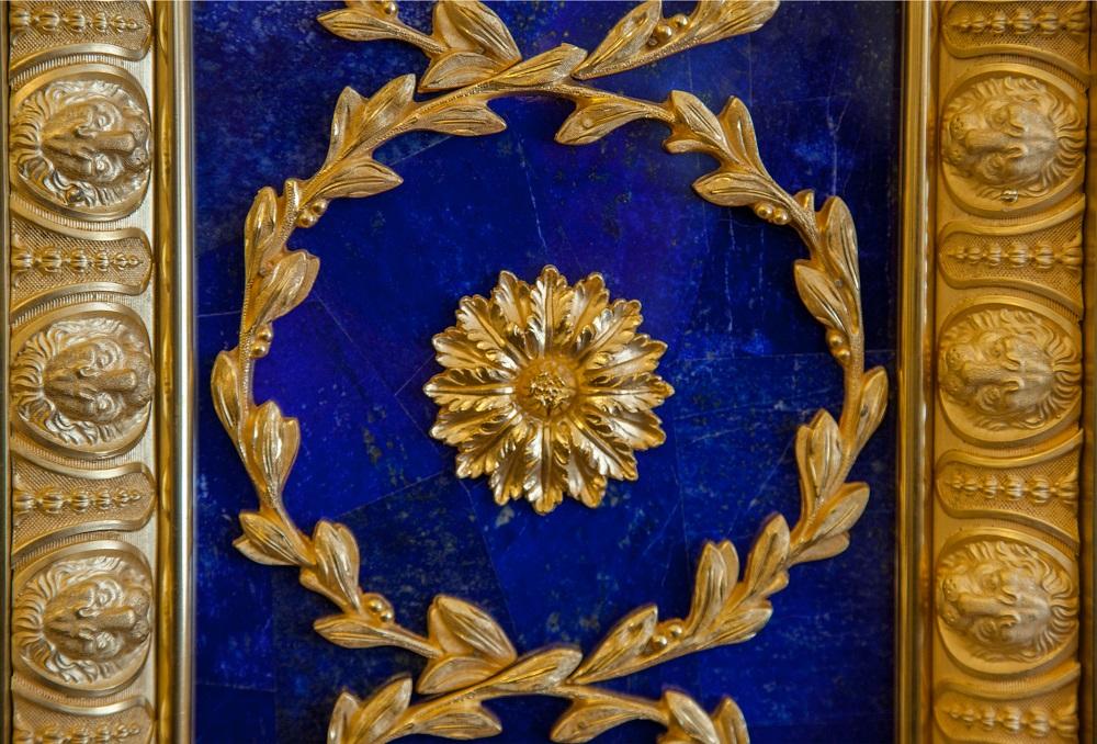 Фрагмент лазуритового декора Лионского зала