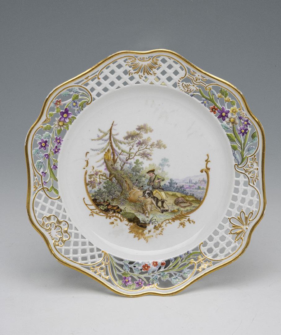 Предметы из Охотничьего сервиза: дополнения к основному составу 1766–1768 годов, изготовленному на Мейсенской фарфоровой мануфактуре в Саксонии. Тарелка десертная 1770-е – 1790-е гг.